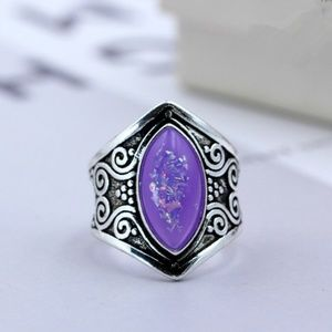 Classic Atmosphere Retro Silver purple opal Ring